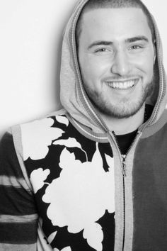 283ce0427c4 Mike Posner ♡ That smile.