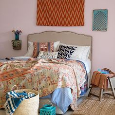 https://flic.kr/p/xQJuMk | Vintage-Quilted-Bedroom-Country-Homes-and-Interiors-Housetohome