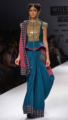 Most Trendy Latest Fashion Blouse Design List for Bride-to-be & Saree Lovers. Check 30 Best Blouse Designs with Blouse Back & Sleeve Design Trends in 2017 Saree Draping Styles, Saree Styles, Best Blouse Designs, Saree Blouse Designs, Salwar Designs, Designer Blouse Patterns, Designer Dresses, Outfit Designer, Design Patterns