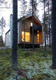 House built in a residential area in the forest in Os i Østerdalen in Norway. The client wanted to preserve as much of the site's natural character as possible and build a house of wood, based on the traditional 6″ timber frame construction. Gunnar's house by Architects: Huus og Heim Arkitektur