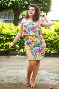 Curvy - Floral Dress - Vestido Cropped - Floral Print - Plus Size - Summer/Spring