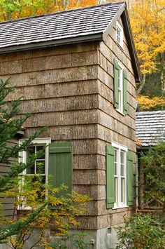 Bark Siding and Green Shutters would be a great look Cedar Shingle Siding, Wood Shingles, House Siding, Wood Siding, Exterior Siding, Green Shutters, Green Windows, Woodland House, Mountain Cottage