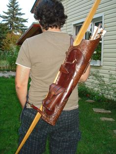 Hand Tooled Multifunctional Medieval Leather Quiver for Broadhead Arrows with Knife Pockets Leather Quiver, Leather Tooling, Tooled Leather, Archery Quiver, Crossbow Hunting, Bow Quiver, Hunting Gear, Elf Kostüm, Archery Equipment