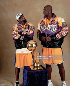 News Photo : Shaquille O'Neal and Kobe Bryant of the Los... Basketball Art, Basketball Pictures, Love And Basketball, Basketball Players, Nba Players, Basketball Legends, Basketball Finals, Basketball Drawings, Basketball Leagues