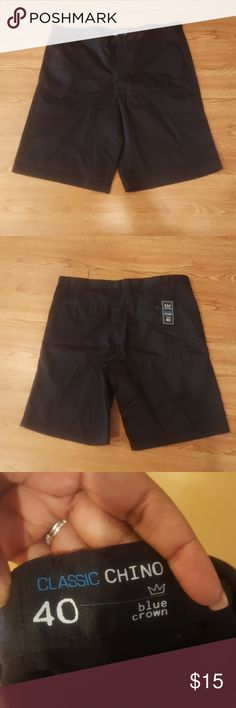 Size 40 black men's shorts Great condition!  Hello everyone!  Hope you're having a wonderful day!   Smoke and pet free home!  ??? ?Fast shipping  ?Any other questions? Comment below Shorts Flat Front