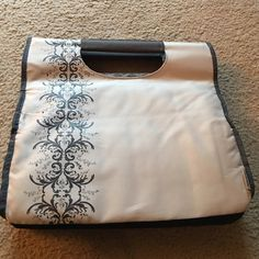 Thermos lunch bag Gently used couple times. Great for work! Thermos Bags