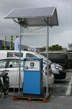 tankstation op zonnepanelen