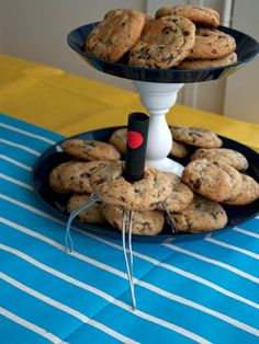 Despicable Me Minion Birthday Party- COOKIE ROBOTS!!! This is great!  Twila hamill!!!!!!