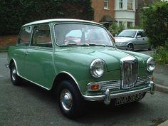 1968 Riley Elf - like the Wolseley Hornet, a body modified Mini, from BMC Classic Cars British, British Sports Cars, Classic Mini, British Car, Bristol, Jaguar, Austin Cars, Aston Martin, Mini Car