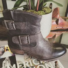 "In love with the @seychellesshoes ""castanet"" moto boot! #shoes #paseo #betsykingshoes"