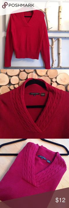 "Classic Look Vneck Maroon Sweater This is a pretty, maroon colored Vneck with cabling on the collar and wide stretchy waist band.  Maroon is such a classic color and this will match just about any color or clothing item. 20"" across bust, 24"" shoulder to bottom hem. 100% cotton.  EUC. Jeanne Pierre Sweaters V-Necks"