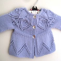 Cora Cardi Knitting pattern by Suzie Sparkles Source by marthaguadalupel Jacket Baby Sweater Knitting Pattern, Baby Knitting Patterns, Knitting Designs, Crochet Baby, Knit Crochet, Knitted Baby Clothes, Christmas Knitting Patterns, Lace Patterns, Knitted Dolls