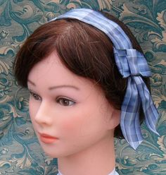 "@Cressie Period-correct ""hairnet"" made with invisible/light net and correct ribbon print. To be worn at the back of the head on the crown, (almost falling off)  not on the forehead."