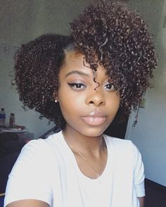 Naturally Diquah – Embrace your true self Dyed Curly Hair, Curly Girl, Curly Hair Styles, Cute Simple Hairstyles, Messy Hairstyles, Natural Hair Cuts, Natural Hair Styles, Natural Hair Inspiration, Everyday Hairstyles