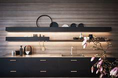 Wall Waiter is an innovative multi-functional module that can hold and organise many of the objects used in the kitchen. The pull-down front becomes an extra shelf while the integrated led light illuminates the worktop and the accessories used most frequently. The modules can be used on their own, in a line or one on top of the other for utmost planning freedom. #CesarKitchen #design #interiors #kitchen