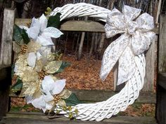 Christmas Wreath, 18-Inch Wooden Wreath, Gold and White, Poinsettias, Silk Flowers.  Wall decor, door wreath, gifts.