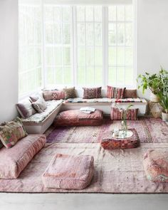 90 Modern Bohemian Living Room Inspiration Ideas - deco - Home Boho Living Room, Bohemian Living, Living Room Decor, Living Spaces, Modern Bohemian, Bohemian Decor, Living Room Yoga, Bohemian Interior, Living Rooms