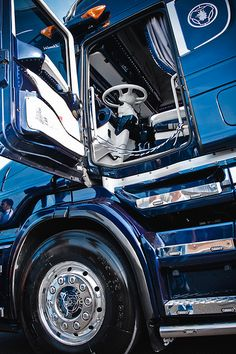 There are 3 steps to heaven . There are 3 steps to heaven . Show Trucks, Big Rig Trucks, Lifted Trucks, Truck Detailing, Custom Big Rigs, Road Train, Truck Interior, Big Daddy, Diesel Trucks