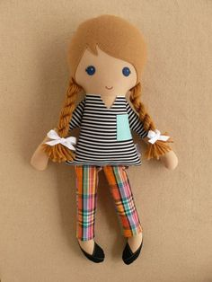 :: Crafty :: Sew :: Kiddo :: Fabric Doll Rag Doll Blond Haired Girl in Black and White Striped Shirt and Plaid Cropped Pants Doll Toys, Baby Dolls, Sewing Crafts, Sewing Projects, Fabric Toys, Paper Toys, Sewing Dolls, Soft Dolls, Diy Doll