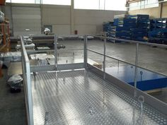 Piattaforma a forbice con pianale in alluminio #tavola #elevatore #pantografo
