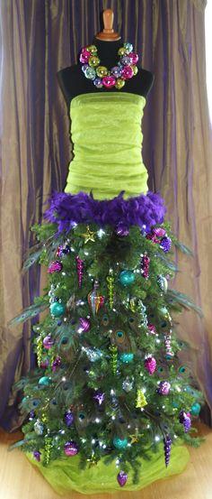 DRESS FORM CHRISTMAS TREE 2015