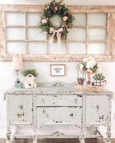DIY Shabby Chic Update to your Furniture is all you need to liven up your room in 2019 - Hike n Dip If you need to redo your home then try shabby chic home decor style. Here is all the details and also DIY Shabby chic furniture painting ideas for you. Shabby French Chic, Shabby Chic Mode, Estilo Shabby Chic, Shabby Chic Living Room, Shabby Chic Interiors, Shabby Chic Style, Shabby Chic Furniture, Shabby Chic Buffet, Chabby Chic