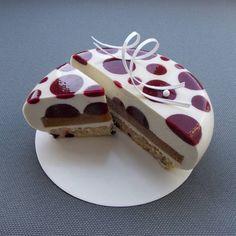 Всем привет! :)) На сайте Сладкое Меню новый рецепт - Муссовый торт Капитошка. Его забавный внешний вид соответствует весёлому характеру…