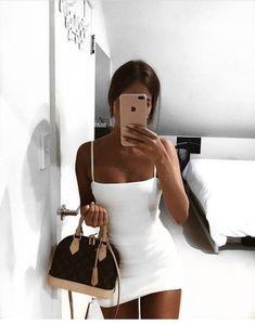Teen Fashion : Sensible Advice To Becoming More Fashionable Right Now – Designer Fashion Tips Night Outfits, Mode Outfits, Girl Outfits, Fashion Outfits, Style Fashion, Fashion Beauty, Beach Outfits, Party Outfits, Beauty Style