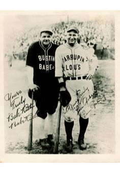 Babe Ruth and Lou Gehrig-yeah it doent get ny better than them whe it comes to baseball But Football, Sports Baseball, Baseball Mom, Baseball Players, Baseball Cards, Baseball Pics, Baseball Scoreboard, Dodgers Baseball, New York Yankees