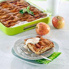 Leivo pellillinen omenapiirakkaa. Siitä riittää isommallekin porukalle tai vierasvaraksi pakastimeen. Resepti vain noin 0,25 €/annos*