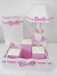 Kit MDF passa fita rosa de poá branco com forração em tecido e aplicação de vasinho de tulipas na luminária.  Pode ser feito em outra cor.  As peças podem ser vendidas separadamente.  Consulte nossos preços! Peça seu orçamento! Mdf Letters, Childrens Lamps, Crafts To Make, Diy Crafts, Kit Bebe, Shower Bebe, Baby Kit, Wooden Shapes, Country Paintings