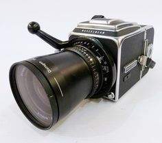 Hasselblad camera with Karl Zeiss Distagon 1:4 50mm lens, Karl Zeiss Sonnar 150mm lens, Karl Zeiss Planar 80mm lens and other accessories, in fitted case Estimate £700.00 to £800.00 (Lot no: 233 in sale on 21/10/2014 - The Cotswold Auction Company )