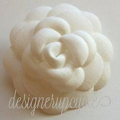 Chanel camellia flowers upcycled to a brooch! Find it on etsy: designerupcycle! Chanel Camellia, Fabric Flowers, Upcycle, 18th, Brooch, Classic, Instagram Posts, Etsy, Accessories
