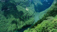 El cañón del Sumidero, da cause al rio Grijalva, si lo visitas te recomendamos llevarte Eclipsol Waterproof FPS 80