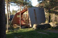 Anneks  på  Bjørgum Tiny House, Exterior, Plants, Homes, Houses, Tiny Houses, Flora, Outdoor Rooms, Plant