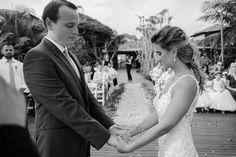 um casamento cheio de cores, com cerimônia das areias, em Búzios, no Rio de Janeiro    Bride Style