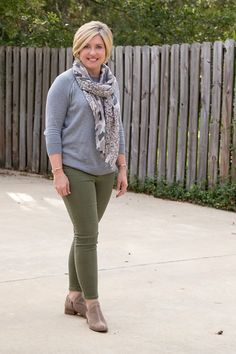 Grey and olive - Savvy Southern Chic - Grey and olive – Savvy Southern Chic, how to wear olive jeans, fall outfit, ankle boots outfit Source by alexandrawebb - Ankle Pants Outfit, Jeans Outfit Winter, Casual Winter Outfits, Fall Outfits, Ankle Boots Outfit Fall, Fall Pants, Boot Outfits, Ankle Jeans, Winter Dresses