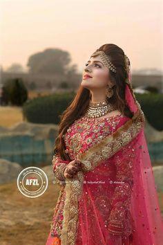 Tera HR ands acha ha sivya nzr Andz krny Ka Desi Wedding Dresses, Pakistani Wedding Outfits, Indian Bridal Outfits, Bride Dresses, Wedding Wear, Pakistani Dresses, Wedding Makeup, Wedding Ring, Dream Wedding