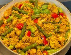 Jednogarnkowy obiad w 30 minut! Ryż z kurczakiem, papryką i szparagami - Blog z apetytem