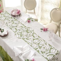 Knitting - MdF-Make your dining the heart of your home!🏡 Let your home be a reflection of your personal style with our amazing tablecloth (with 8 nap Cutwork Embroidery, White Embroidery, Lace Applique, Embroidery Patterns, Machine Embroidery, Crochet Patterns, Vintage Table Linens, Diy Scarf, Linen Towels