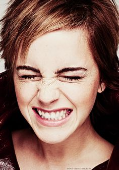 New Exclusive Outtake of Emma Watson for Elle UK (2011) ;