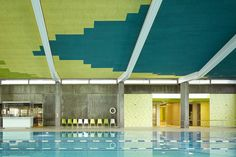 Image 16 of 20 from gallery of Sports Centre in Leonberg / 4a Architekten. Photograph by David Matthiessen