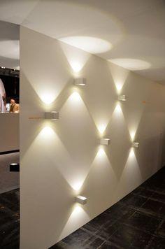 #luzcalida #paredblanca #luzdeacento
