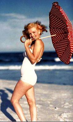 1950's Merilyn  Monroe on the beach-1