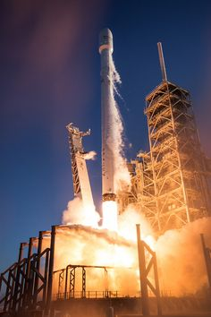 Photos: SpaceX's Falcon 9 rocket begins flight with Inmarsat satellite – Spaceflight Now