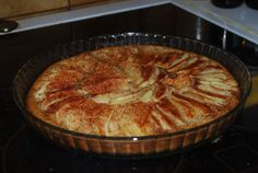 Helppo ja nopea omenapiirakka Apple Pie, Good Food, Fun Food, Food And Drink, Fresh, Baking, Eat, Desserts, Recipes
