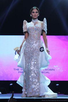 Filipiniana Dress / Balintawak Gown / Filipino Costume / Philippine Terno / Pia Wurtzbach / Binibining Pilipinas / Miss Universe Maria Clara Dress Philippines, Philippines Dress, Philippines Fashion, Philippines Culture, Grad Dresses, 15 Dresses, Formal Dresses, Modern Filipiniana Gown, Filipiniana Wedding