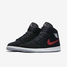 Nike Fashion, Sneakers Fashion, Men's Fashion, Fashion Shoes, Fly Shoes, Men's Shoes, Shoe Boots, Shoes Sneakers, Jordan Shoes Girls