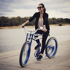White & blue is how we do. Get yours at www.madbicycles.com #custom #bicycle #customlife #fun #smile #polishgirl #model #rayban #raybans #nike #airmax #river #shore #cute