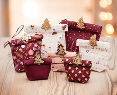 Idée couture : Sachets cousus pour calendrier de l'Avent - - buttinette - loisirs créatifs Couture Sewing, Merry Xmas, Diy For Kids, Christmas Time, Christmas Decorations, Gift Wrapping, Gifts, Scrappy Quilts, Fabric Purses
